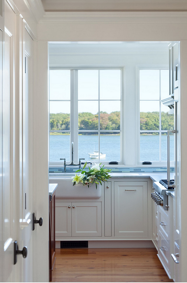 Kitchen. Ocean View Kitchen. Kitchen window frames ocean view. #Beachhouse #Kitchen #OceanView Jacob Talbot - Fine Homebuilders.