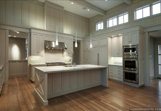 Kitchen. Transitional Gray Kitchen. Kitchen Ideas. #Kitchen #TransitionalKitchen #GrayKitchen Cameo Homes Inc.
