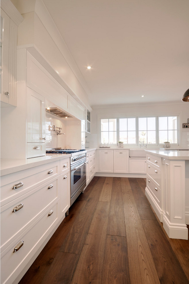 7 hardwood flooring trends for your home home bunch for Hardwood floors in kitchen