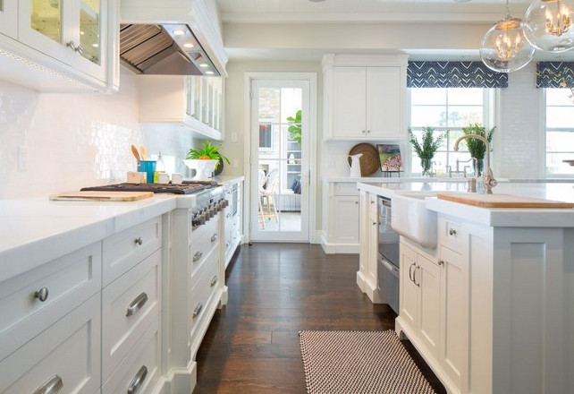 LED Strip lights under cabinet. LED Strip lights under kitchen cabinet. Kelly Nutt Design.
