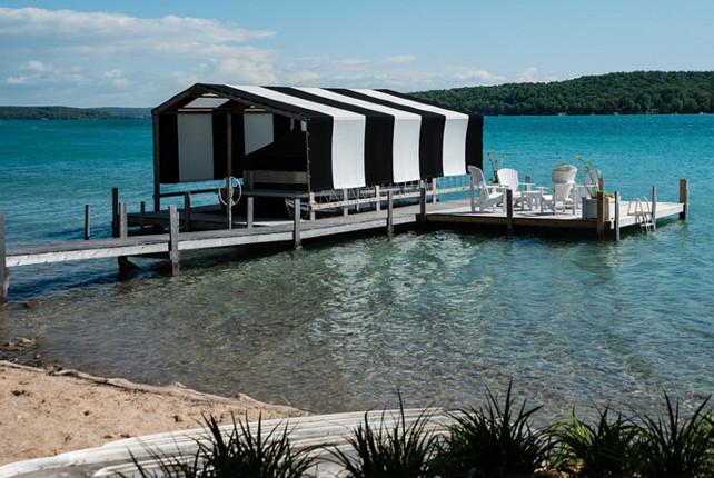 Lake House. Stunning lake house with boat lift. #LakeHOuse #BoatLift
