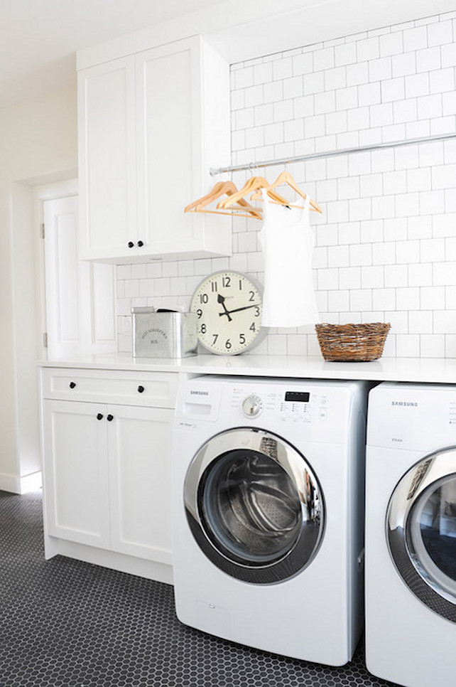 Laundry Room. Black and White Laundry Room Design Ideas. Laundry room with subway tile backsplash. #LaundryRoom #SubwaytileLaundrRoom