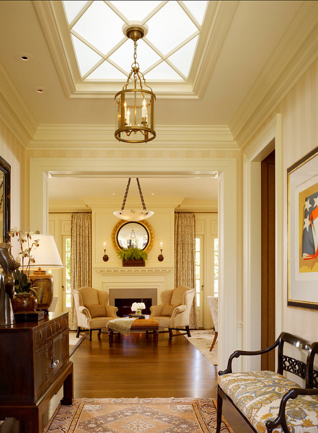 Traditional Interiors. I love inviting traditional interiors. It's homey and classic. #Traditional #Interiors