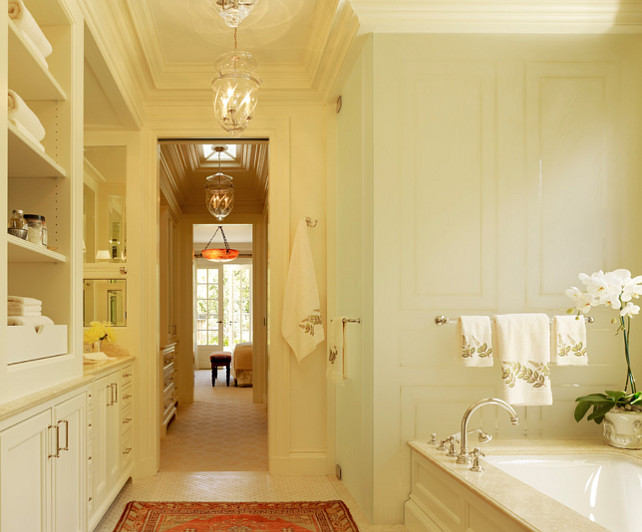 Traditional Bathroom. This is a classic, traditional bathroom design. #Bathroom #TradionalInteriors #ClassicInteriors