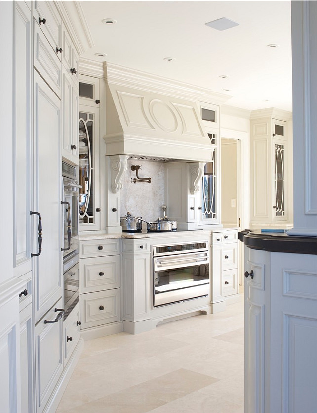 Interior design ideas home bunch for Traditional european kitchen