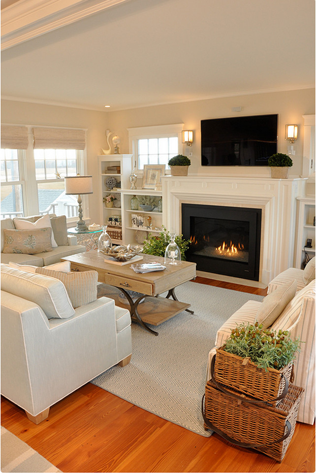 Dream beach cottage with neutral coastal decor home bunch interior design ideas Home decorating ideas living room with fireplace