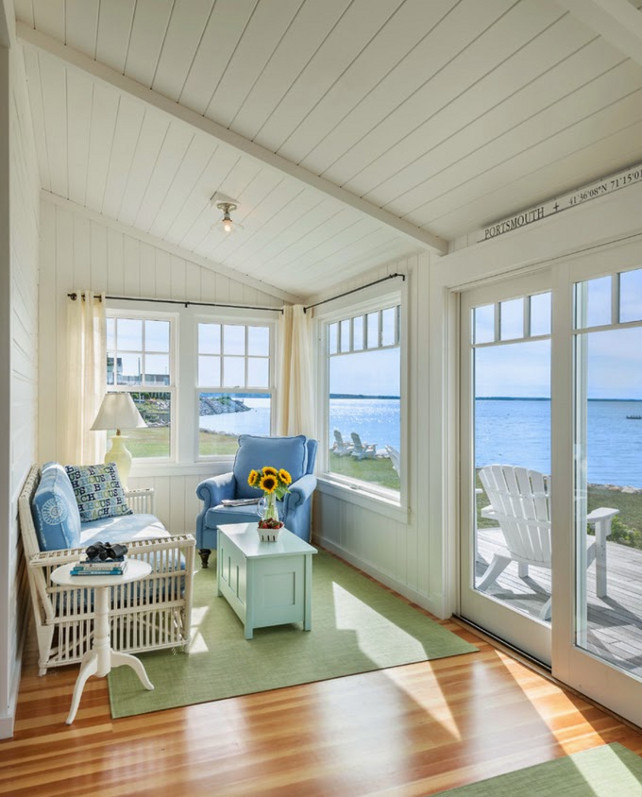 Small beach cottage with inspiring coastal interiors for Small cottage design ideas