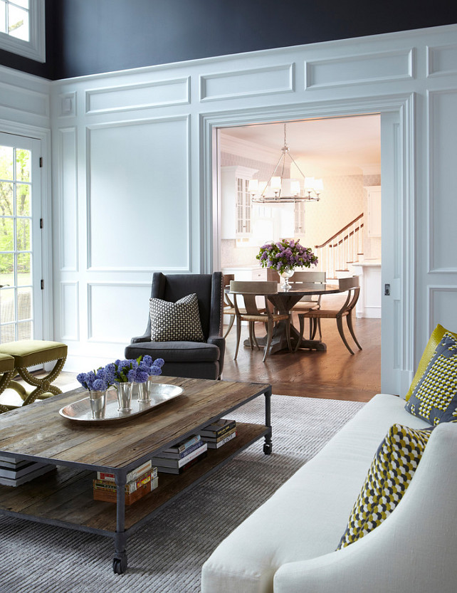 Living Room Interior Design Ideas. Symmetry was used to arrange flanking chairs and sofa. All upholstery goods were covered in linen over shades of creams and grays. #LivingRoom #Inteirios