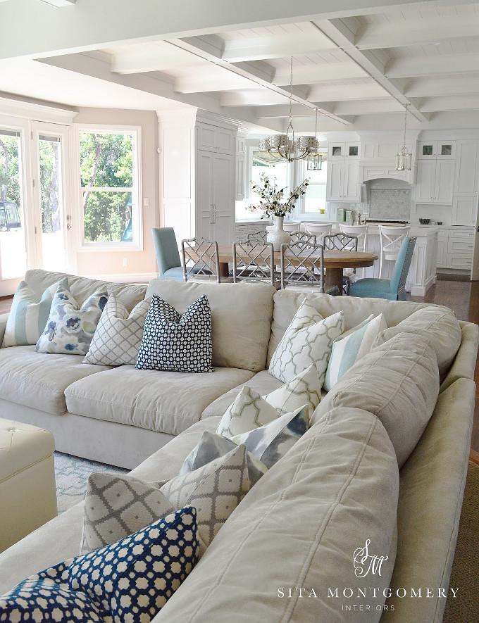 Living Room Pillows. Sita Montgomery Interiors.