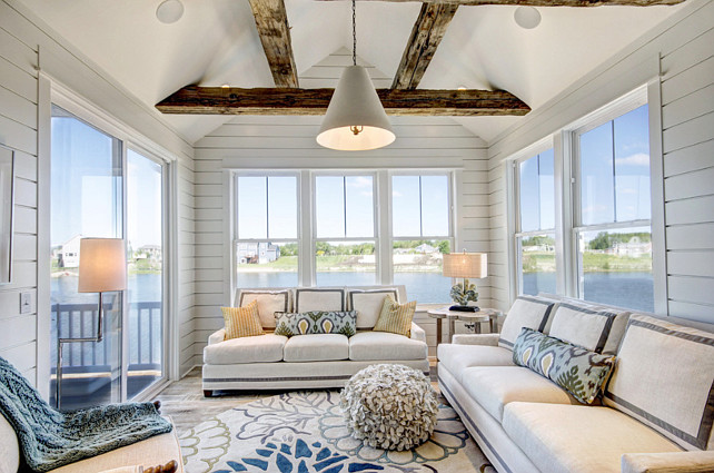 Ranch style home with transitional coastal interiors home bunch interior design ideas for Coastal home interior design ideas