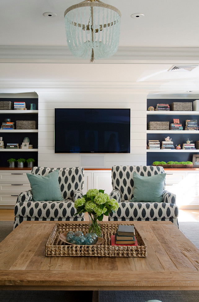 Living room bookshelf ideas. Kristina Crestin Design.