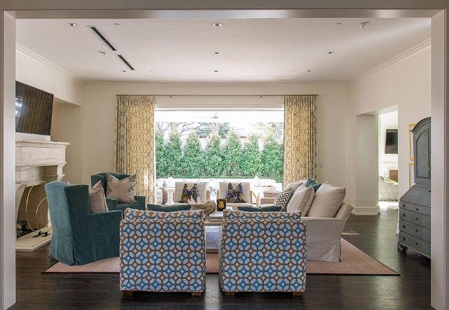 Living room furniture fabric. Living room fabric color scheme. Living room fabric color scheme ideas. #Livingroom #fabric #colorscheme L. Lumpkins Architect, Inc.
