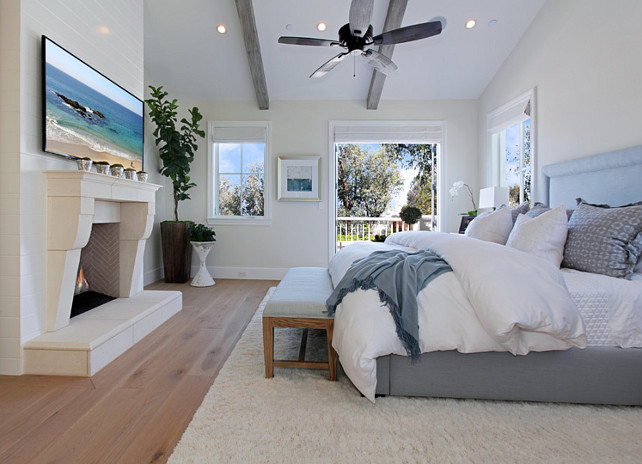 Relaxed california beach house with coastal interiors for Master bedroom interior paint ideas
