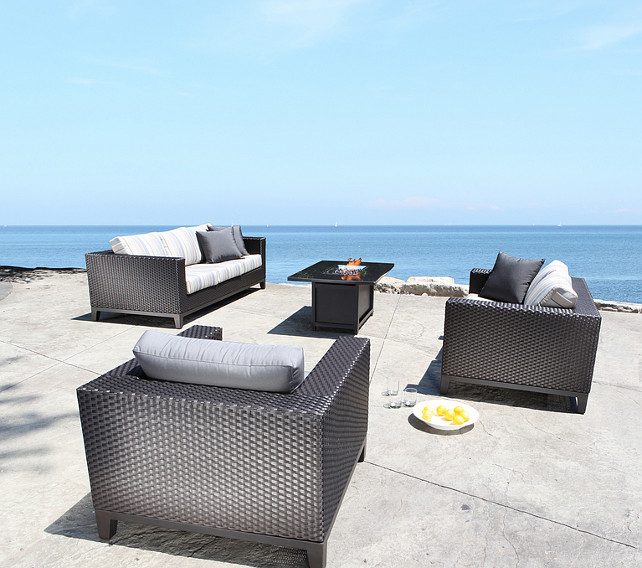 Modern Patio Furniture. I love the modern lines of this patio furniture set. #PatioFurniniture