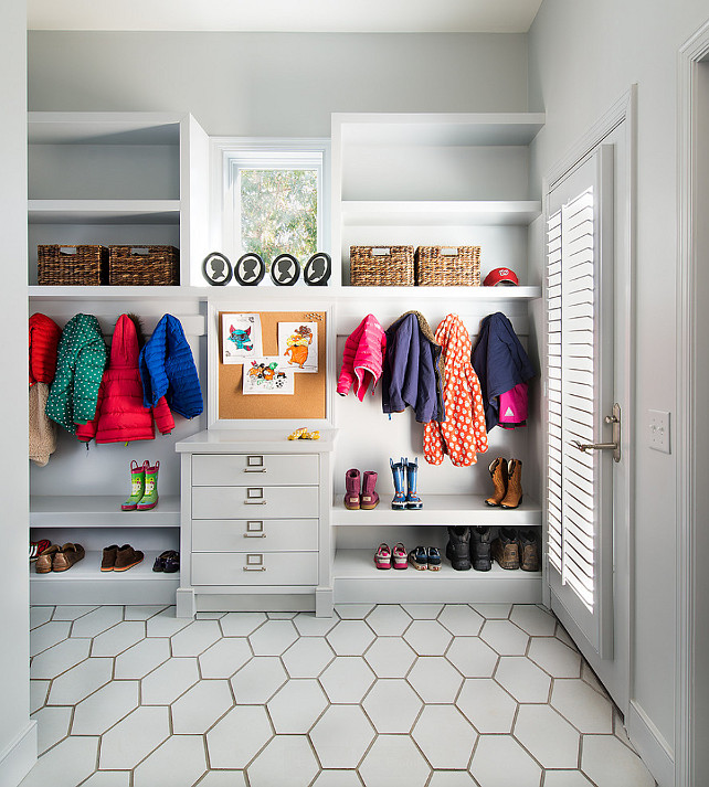 Mudroom. Mud Room. Mud room design ideas. Mud Room Storage #MudRoom   Moore Architects. SCW Interiors.