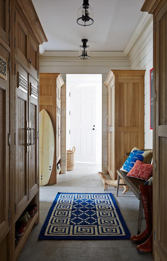 Coastal homes interior design ideas home bunch for Bluestone flooring interior