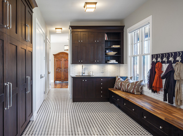 Mudroom. Mudroom Cabinetry. Mudroom Cabinetry Ideas. #Mudroom #MudroomCabinet  #MudroomCabinetry  Astro Design Center.