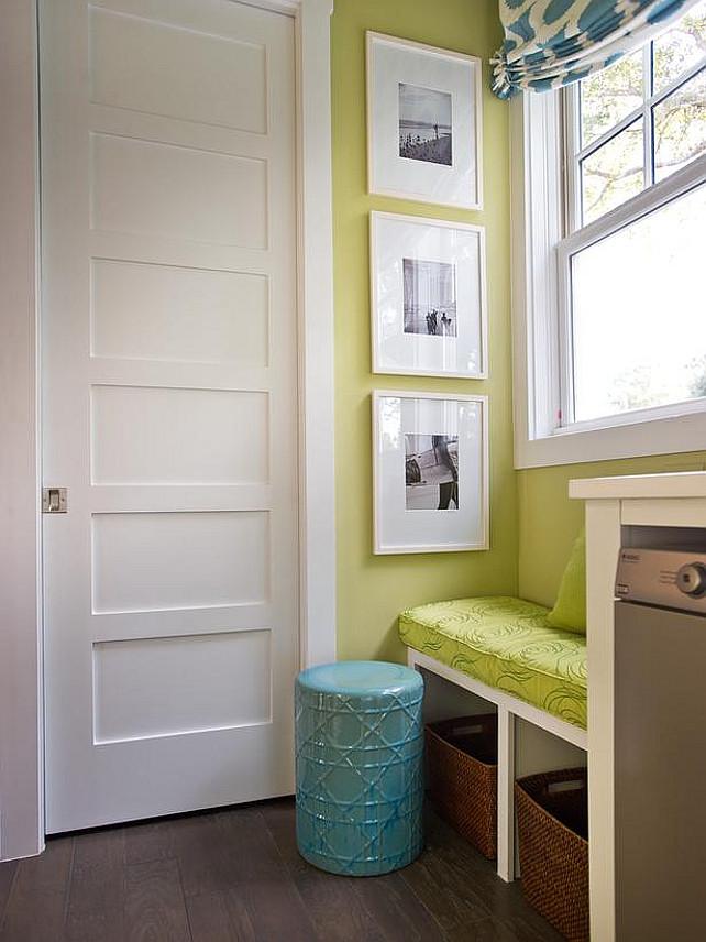 Mudroom. Mudroom Design. Small mudroom and laundry room combanied. #Mudroom #Laundryroom