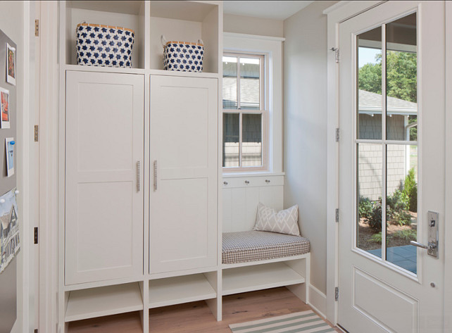 Mudroom. Mudroom Ideas. Mudroom Storage Ideas. Small Mudroom with Practical Storage Built-ins. #Mudroom #MudroomIdeas #MudroomDesign #SmallMudroom