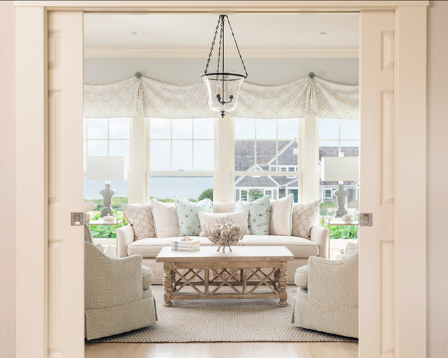 Coastal home with neutral interiors home bunch interior for Neutral home decor ideas
