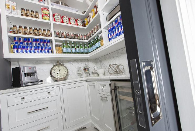 Orgazining Kitchen Pantry. Organized Pantry. How to organize pantry. Organized kitchen pantry. #Kitchen #Pantry #OrganizedPantry #organizedKitchenPantry Jennifer Backstein Interiors