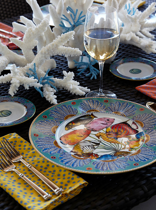 Outdoor Dining Ideas. Subtle aquatic notes abound, even down to the brightly colored tropical fish on Penelope Penzo's tableware, which decorates a Gloster dining table on the lanai.