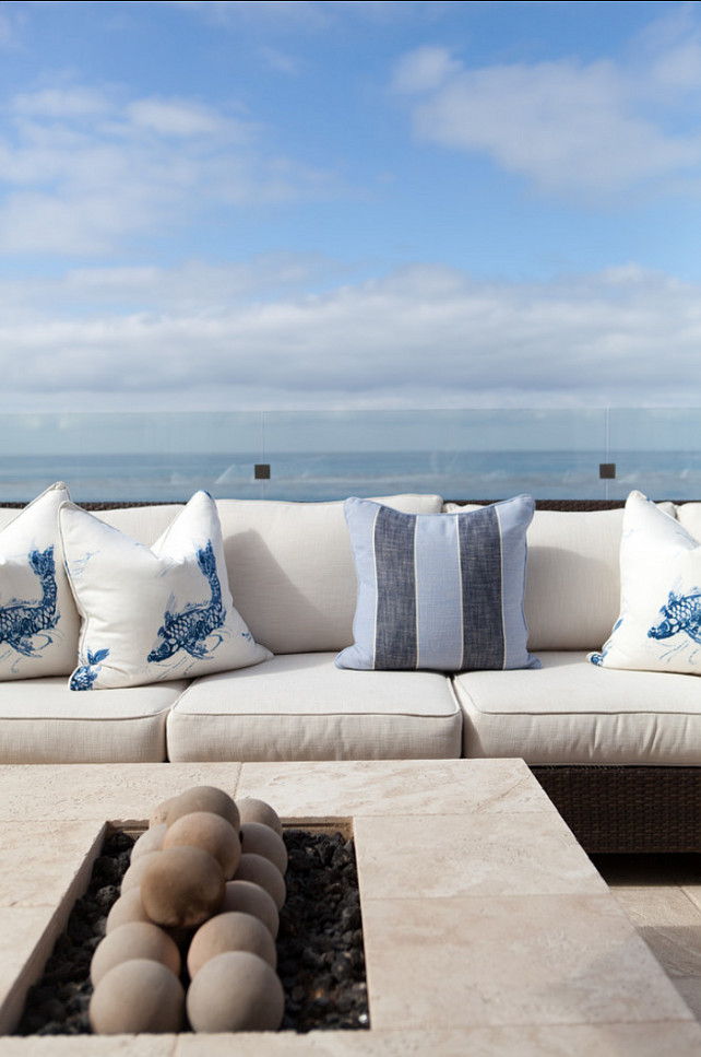Classic Beach House With Coastal Interiors Home Bunch