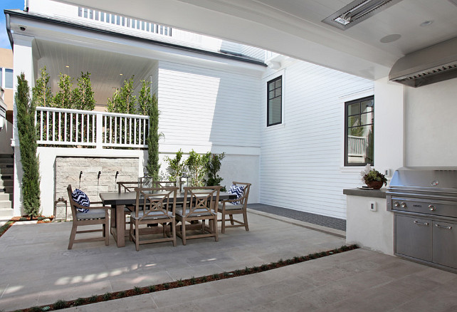 Outdoor Kitchen Ideas. Small Backyard with outdoor kitchen, built-in barbecue. The backyard features an outdoor kitchen with built-in barbecue. #OutdoorKitchen #Builtinbarbecue #SmallBackyard Spinnaker Development.
