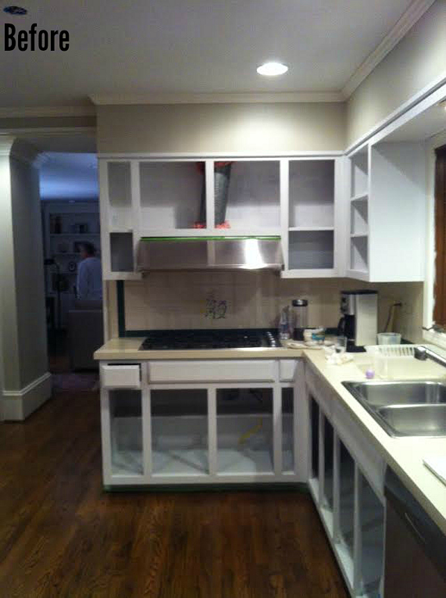 Painint Kitchen Cabinets. How to Paint Kitchen Cabinets #PaintingKitchenCabinets #BeforeandAfterKitchen
