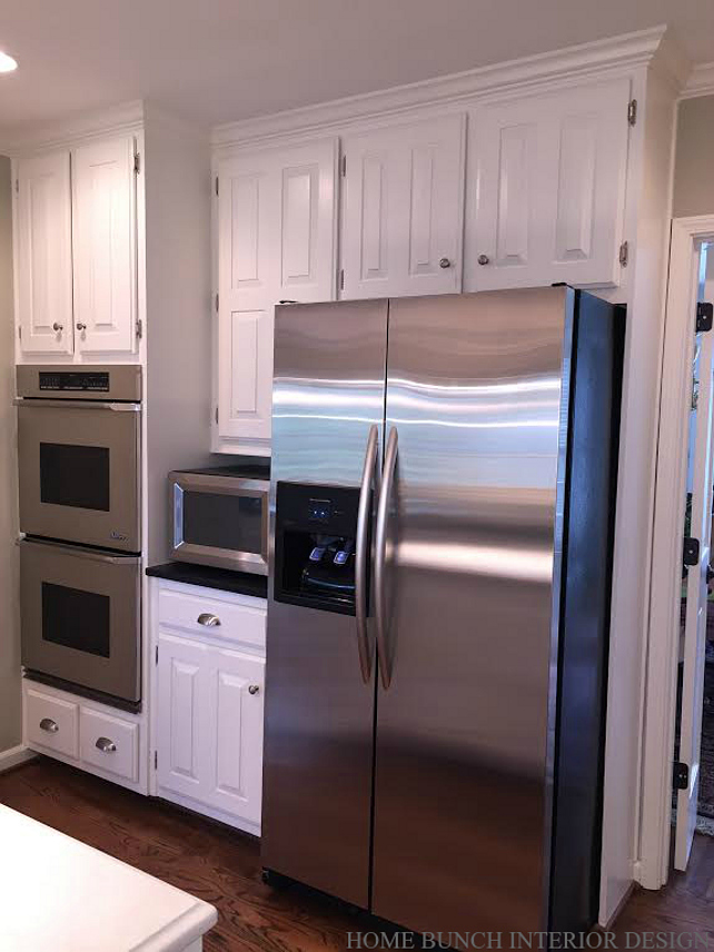 Painted Kitchen Cabinets. See the Before pictures of this freshly painted kitchen cabinets. #paintedKitchenCabinets Home Bunch Interior Design.
