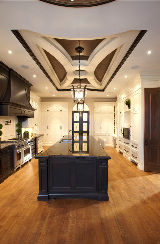 Kitchen Island. Spacious Kitchen Island. #Kitchen #Island #Interiors