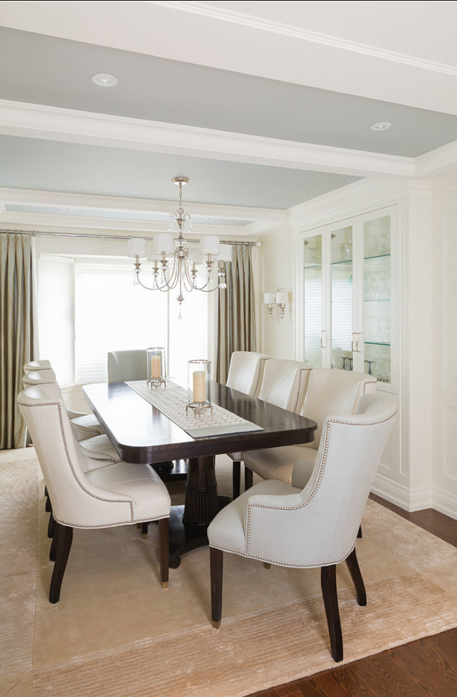 Dining Room. I am loving this Dining room. Great decor! #DiningRoom #HomeDecor #Interiors