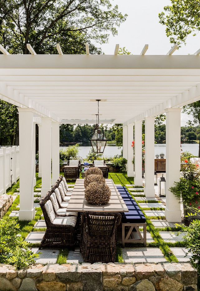 Pergola. White Pergola. Backyard with white pergola. #Pergola #WhitePergola #Backyard Brookes and Hill Custom Builders.