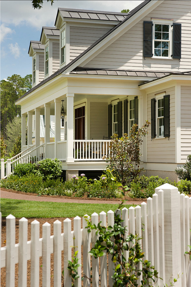 Picket Fence. Gardens with picket fence. #PicketFence #CurbAppeal