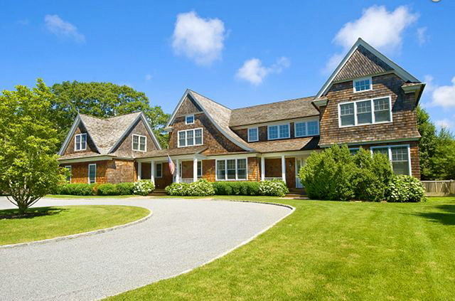 East hampton shingled home home bunch interior design ideas for Hamptons house for sale