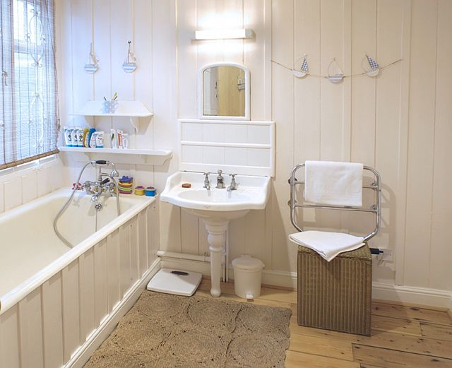 Perfect Beach Cottage Bathrooms Submited Images