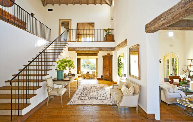 Mediterranean home interior interior design for Mediterranean house interior design