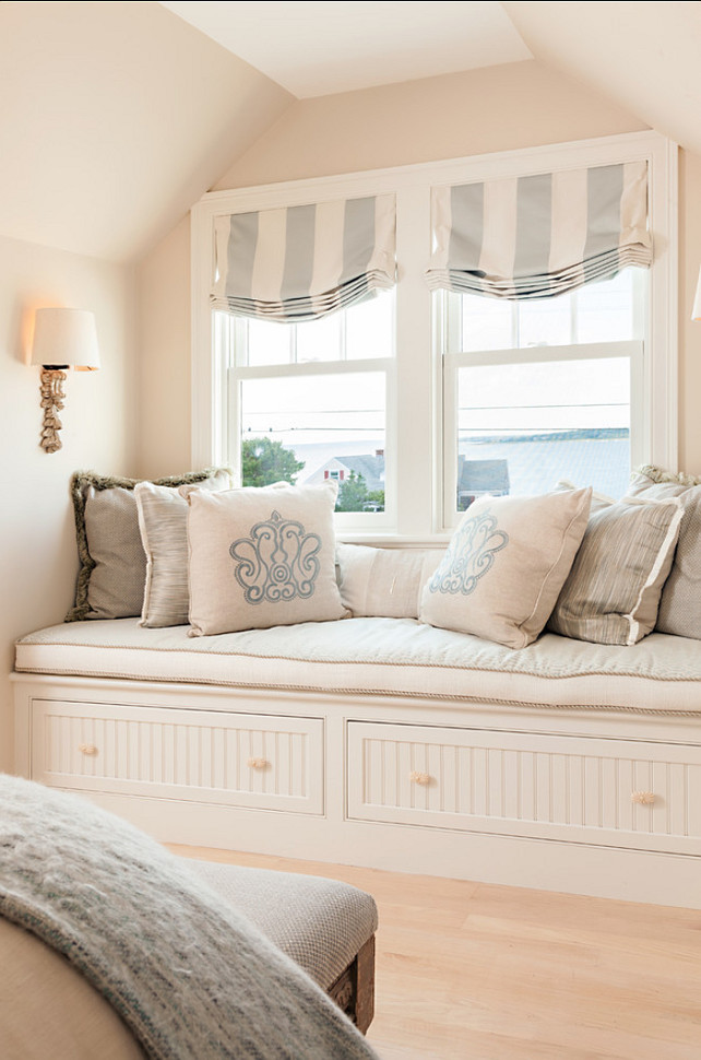 Pillow Ideas Throw Beautiful Pillows In A Soft Coastal Color Pallet