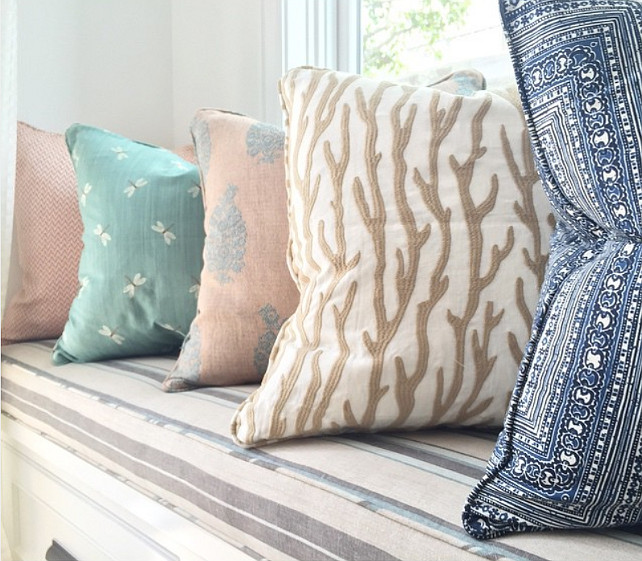 Pillows. Window Seat Pillow Combination Ideas. Blackband Design.