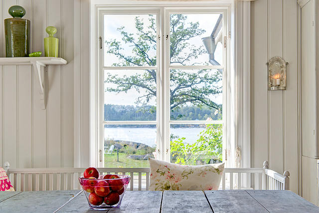 Swedish Cottage Style cottage of the week: sweden - home bunch – interior design ideas
