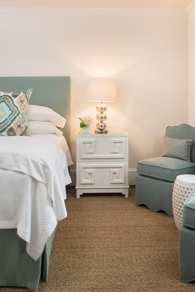 Seagrass Rug. Bedroom Seagrass Rug #SeagrassRug Ben Gebo Photography. Annsley Interiors.