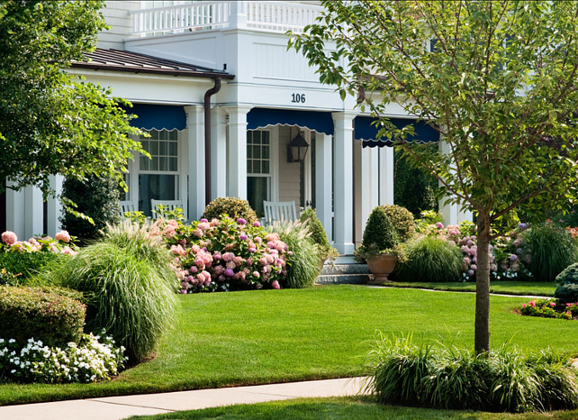 Front Yards Design Ideas. Beautiful curb-appeal thanks to the gorgeous front yard landscape. #FontYard #Yard #Landscape #Gardening