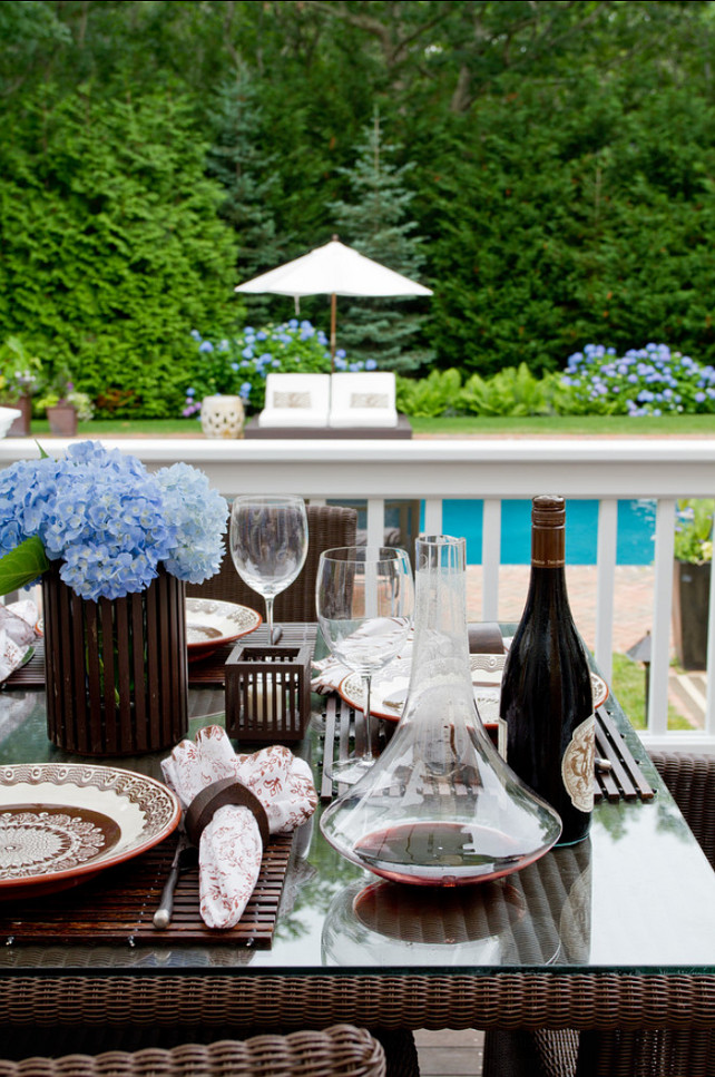 Table Setting Ideas. Easy outdoor table setting ideas. #TableSetting #TableDecor