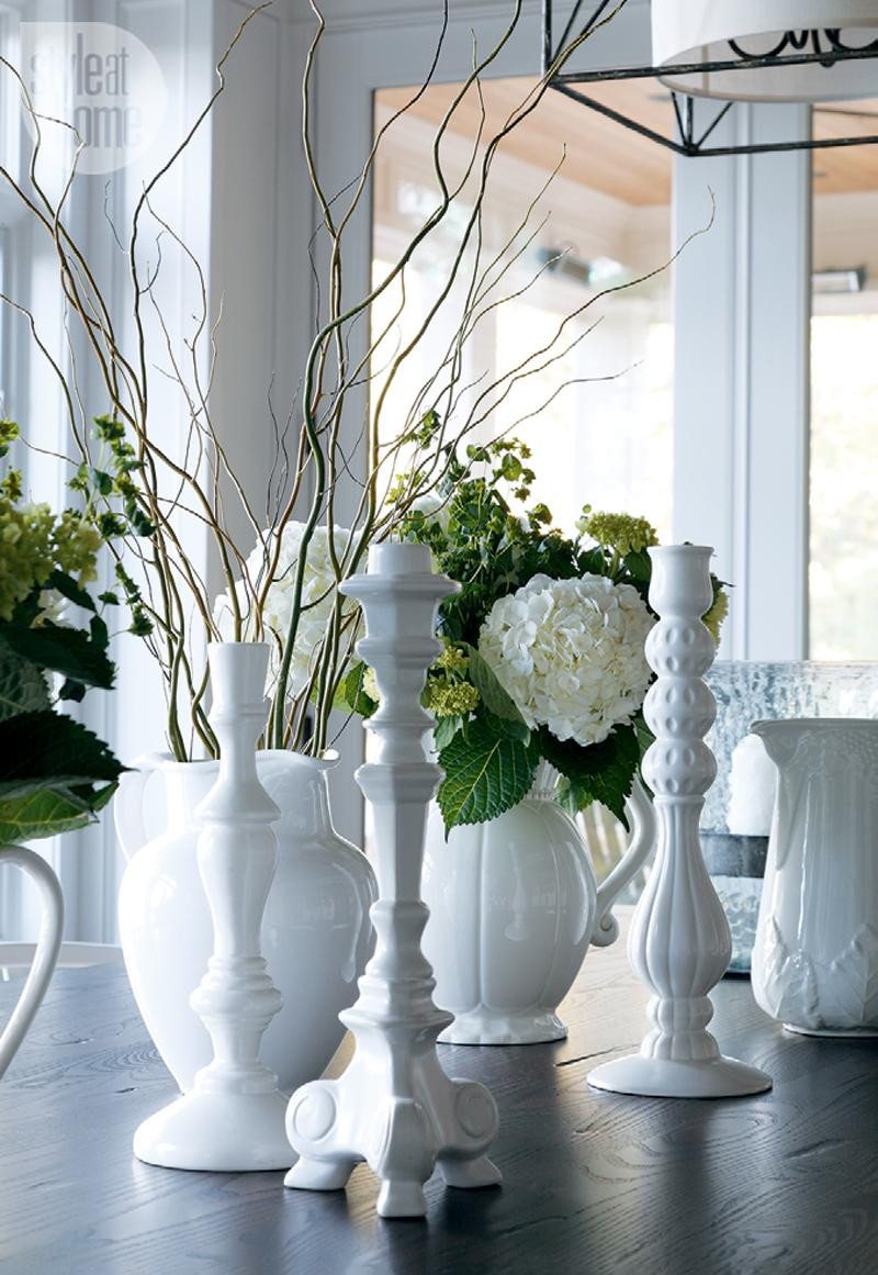 Coastal muskoka living interior design ideas home bunch interior - Table Setting Ideas White Table Setting The White Table Setting Gives A Fresh Clean
