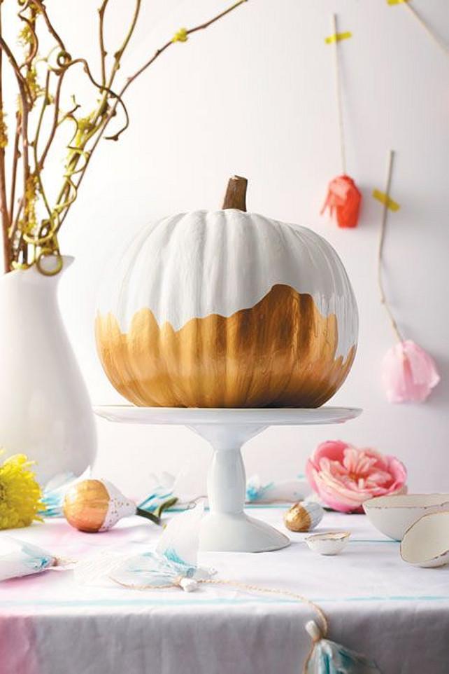 Thanksgiving Centerpiece Ideas. #ThanksgivingCenterpiece Via Chatelaine Magazine.