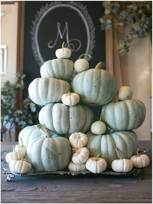 Thanksgiving Pumpkin Decor Ideas. Via Sinclair and Moore.