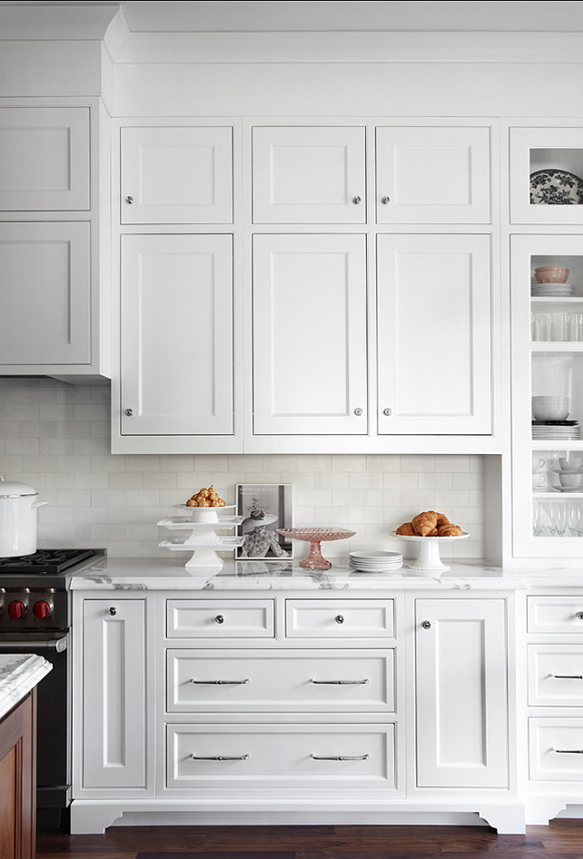 Kitchen Cabinet Design. Kitchen cabinet with clean lines and beautiful millwork. This kitchen is a winner! #KitchenCabinet #KitchenDesign #Cabinetry