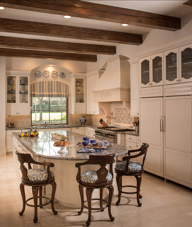Kitchen. European Inspired Kitchen. Great European kitchen. #Kitchen #EuropeanKitchen #Traditional