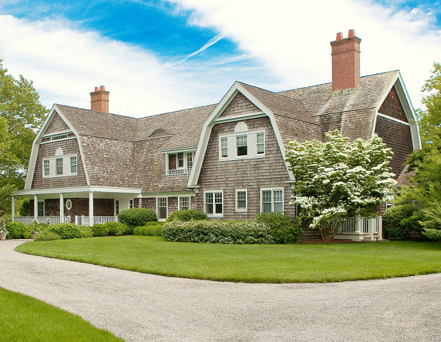 Traditional Gambrel Home by architect Larry Randolph. #Gambrel #HomeExterior #Traditionalhome #LarryRandolph Via Sotheby's Homes.