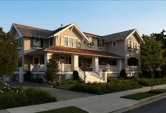 Traditional Home Architecture. Beautiful traditional 1900's beach house. #TraditionalHome #TraditionalHomeArchitecture